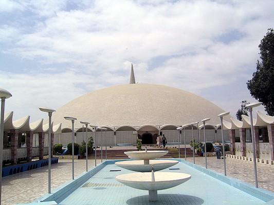Masjid-e-Tooba in Karachi