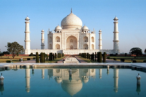 Visit Taj Mahal on a day tour. ReadyClickAndGo