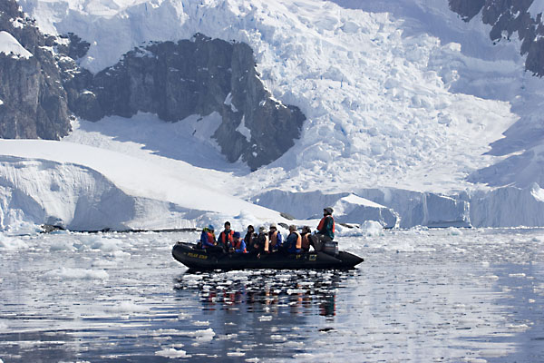 Top 10 most dangerous places in the world the gypsy 39 s for Best places to visit in antarctica