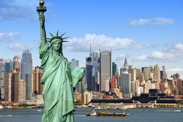 Top 10 places to visit in december the gypsy 39 s passport for Traveling to new york in december